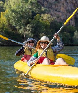 People canoeing in Katherine Gorge