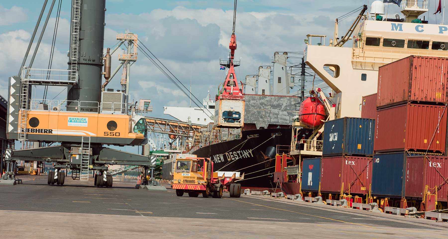 Ships being unloaded at Darwin Port